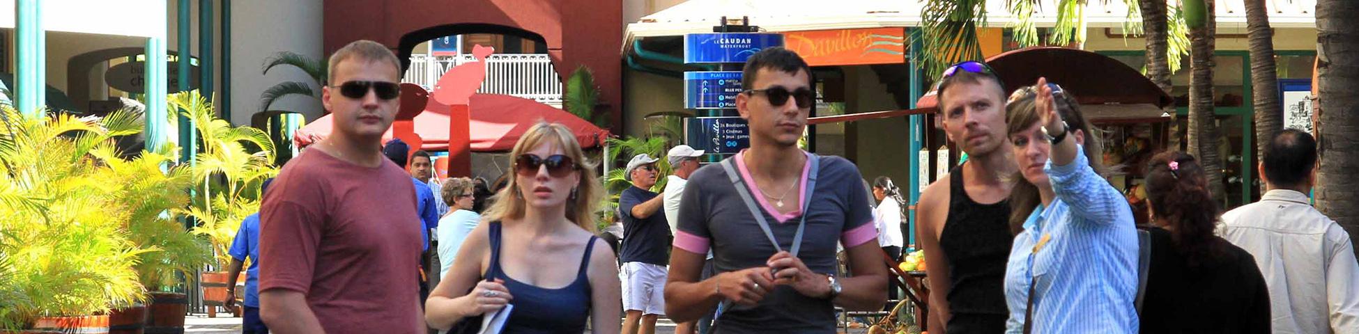 游览并参观毛里求斯名胜古迹。